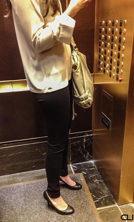 143_ElevatorWoman_pvw