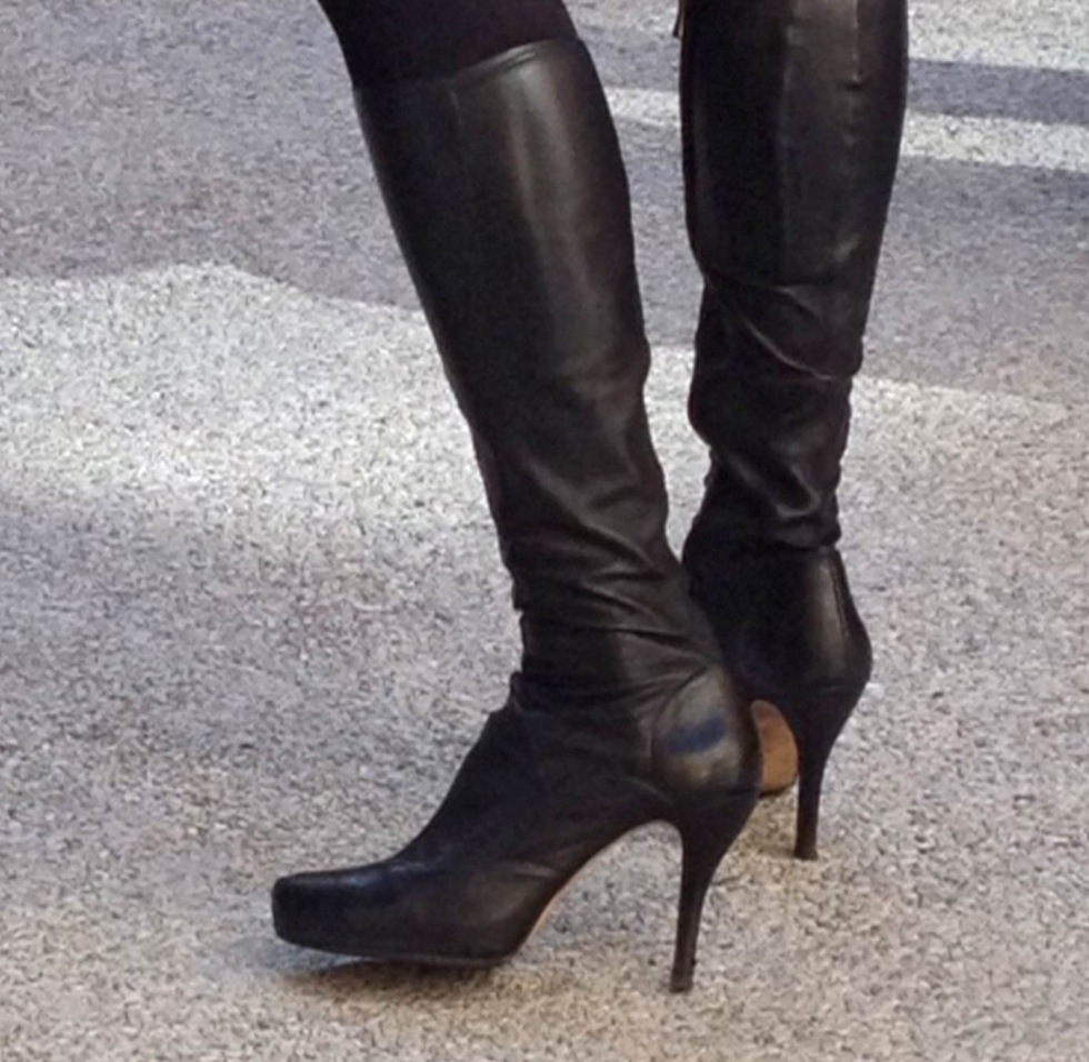 Fashion Shoes Point Of View Boots
