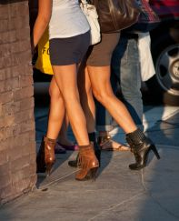 Girl_legs_3_pvw